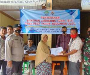 70 KK di Gampong Paya Kecamatan Manggeng, Terima BLT Tahap I dari Desa