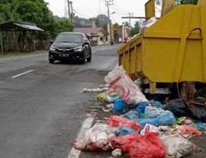 Warga Terganggu, Kontainer Sampah Sebarkan Bau Busuk di Pidie Jaya