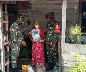 Bantu Lansia, Kodim Aceh Jaya Bagikan Puluhan Paket Sembako