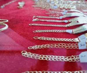 Jelang Lebaran Daya Beli Perhiasan Emas di Abdya Lesu
