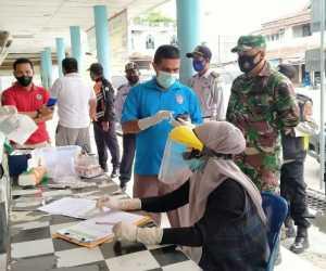 Dinkes Abdya Lakukan Tes Swab Terhadap Sopir dan Penumpang di Terminal