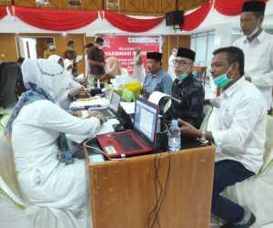 Anggota DPRK Aceh Jaya dan Keluarga Jalani Vaksinasi COVID-19
