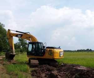 Excavator Pemkab Digunakan Menarik Kayu? Ini Kata Kadis PUPR