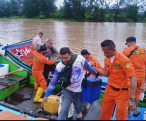 Boat Nelayan Aceh Besar Terdampar di Laut Aceh Jaya