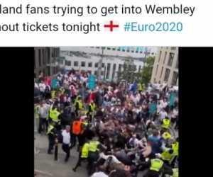 Italia Vs Inggris: Rusuh! Suporter Tanpa Tiket Terobos Wembley