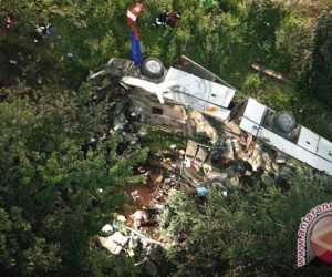 Bus Terjun ke Jurang 15 Meninggal Tiga Luka-luka