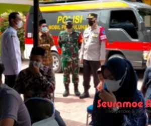 Dandim Aceh Jaya dan Kapolres Tinjau Kegiatan Vaksinasi Massal