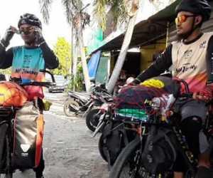 Niat Beribadah, Dua Remaja Berangkat ke Mekkah dengan Sepeda