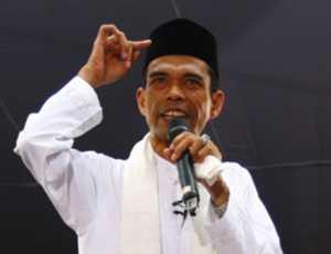 Ustadz Abdul Somad Wajib Dibela