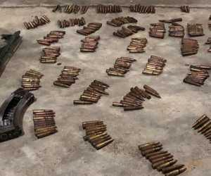Satu Pucuk AK-47, Megazen dan 300 Peluru Milik KKB Abu Razak Ditemukan Dalam Rumah
