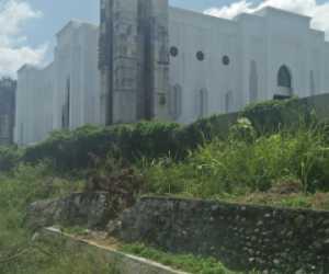Beton Dipinggir Lokasi Pembangunan Masjid Agung Nagan Raya Patah