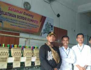 Dua Pemuda Desa Penanggalan Subulussalam Ikuti Pelatihan Bordir Komputer