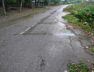 Awas! Ada Titik Longsor di Jalan Lintas Bumi Sari-Ulee Jalan