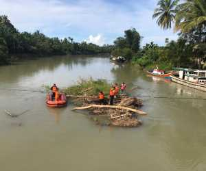 Antisipasi Banjir Luapan, BPBK Abdya Bersihkan Sungai