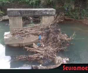 Pembangunan Jembatan Tokoh II Lembah Sabil Terbengkalai