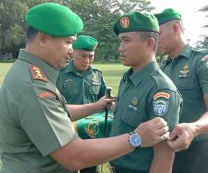 Dandim Pimpin Upacara Kenaikan Pangakt 17 Personil Kodim Aceh Jaya