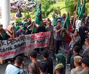 Tolak RUU KUHP dan UU KPK, Mahasiswa Datangi Gedung DPRK Abdya