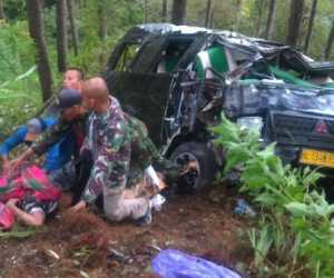 Satu Meninggal dan Enam Anggota TNI Terluka Dalam Kecelakaan di Gayus