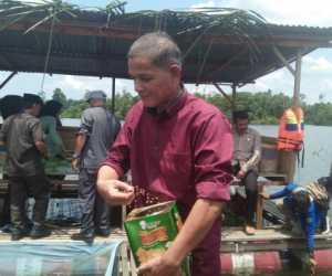 DKP Nagan Raya Kembali Salurkan Bantuan Benih Ikan Nila