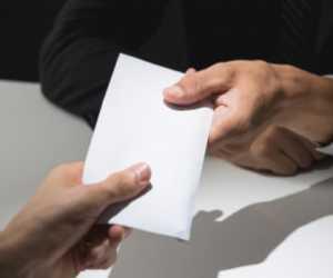 Ingat! Pemberi dan Penerima Uang Suap di Pemilu Dilaknat Rasulullah