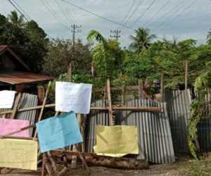 Tak Kunjung Diperbaiki, Akhirnya Warga Tutup Jalan Gampong