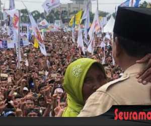 Seorang Nenek Titip Harapan Anak Cucu Pada Prabowo
