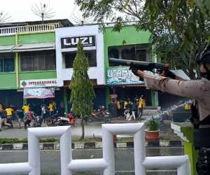 Unjuk Rasa Ribuan Mahasiswa di Meulaboh Aceh Barat Berakhir Rusuh