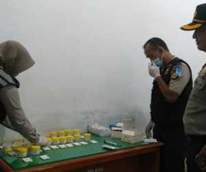 Anggota Bhayangkari Polres Aceh Utara Jalani Tes Urine