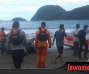 Kapal Terbalik Diterjang Ombak, Calon Wakil Bupati Ditemukan Tak Bernyawa