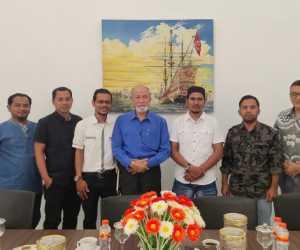 Wali Nanggroe Perintah WALHI Terus Jaga Lingkungan di Aceh