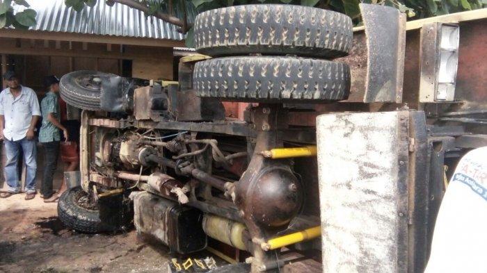 7 Orang Meninggal Dalam Kecelakaan Truk, 5 Korban Jamaah Umrah
