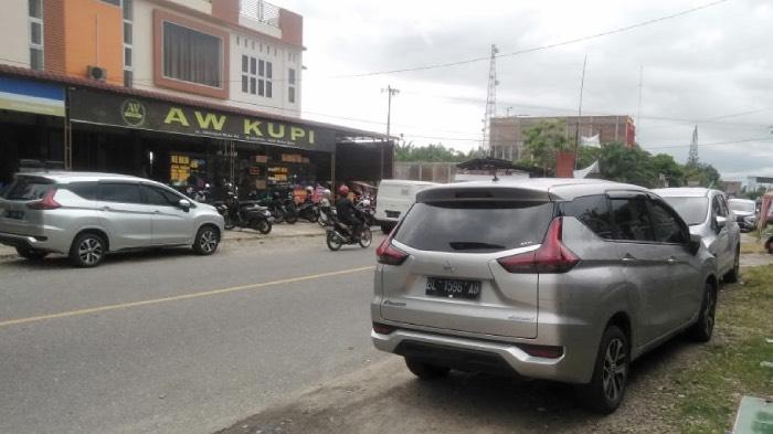 Mobil Dinas Camat di Abdya Gunakan Plat Hitam