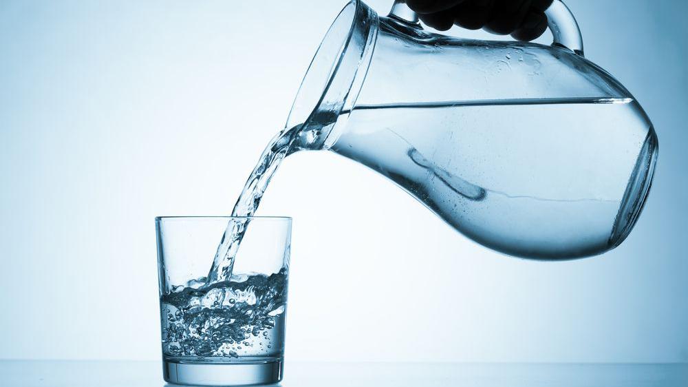 Wajib Tahu! Konsumi Air Putih Secara Berlebihan dapat Memicu Kematian