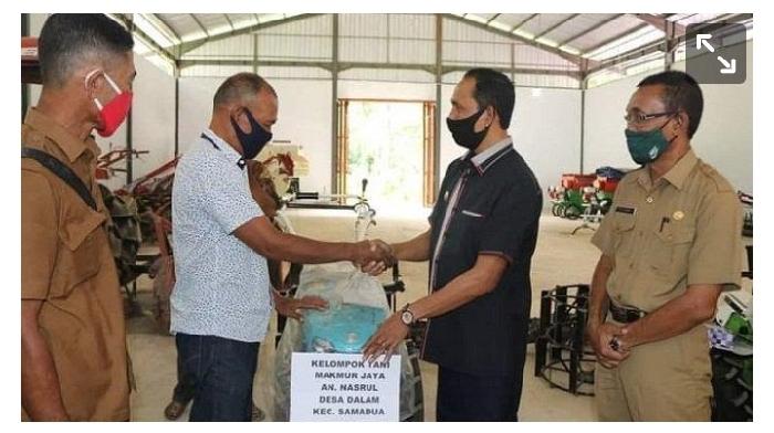 Kelompok Tani di Aceh Selatan Terima Tujuh Unit Traktor dari Bupati