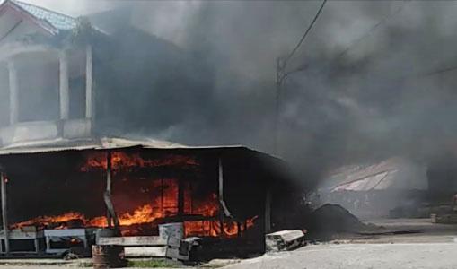 Jumat Siang, Sejumlah Ruko di Kota Meulaboh Aceh Barat Terbakar