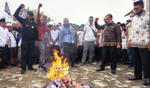 Wabup Aceh Jaya Berorasi Dalam Aksi Damai, Ini Pernyataannya