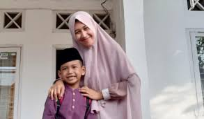 Netizen Doa Rujuk dengan UAS, Ini Respons Mantan Istrinya