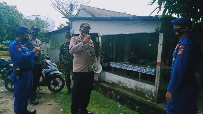 Polsek dan Koramil Susoh, Keliling Desa Ingatkan Warga Patuhi Prokes