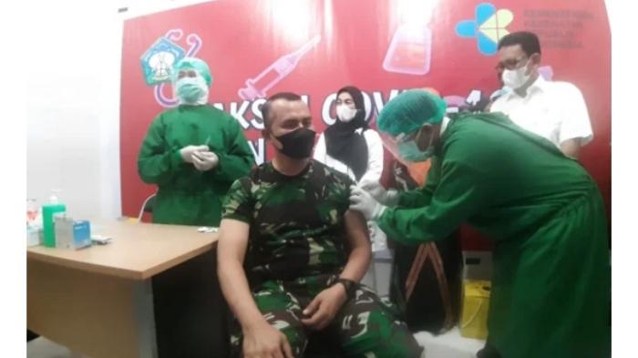 Dandim 0107 Aceh Selatan, Pertama Disuntik Vaksin Sinovac