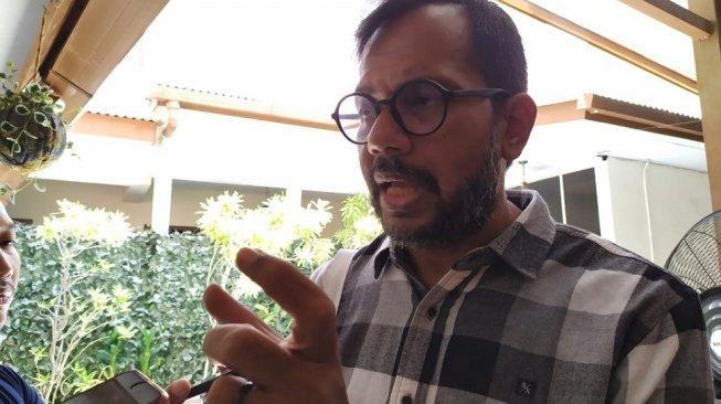 Presiden Jokowi Minta Dikritik, Haris Azhar: Hati-hati Buzzer!