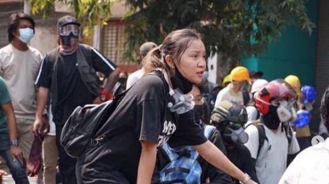 Ditembak Saat Berdemo, Mahasiswi: Jangan Selamatkan Saya