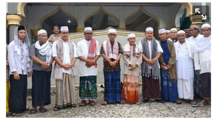 Bupati Gorontalo dan Keluarga Suluk di Dayah Darul Ihsan Labuhan Haji Aceh Selatan