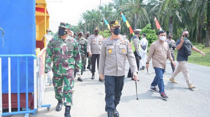 Kapolres dan Dandim Aceh Tamiang Tinjau Pos Penyekatan