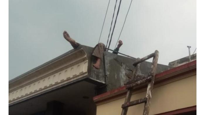 Warga Pidie Tersengat Listrik saat Bekerja di atas Bangunan Dua Lantai