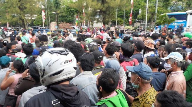 Ungkit Kerumunan Grogol, PA 212: Kalau Jokowi Tak Diproses, Bebaskan HRS!