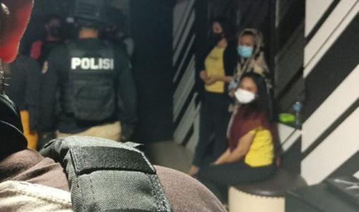 Lagi Pesta Miras, Tujuh Perempuan Muda Diamankan Polisi