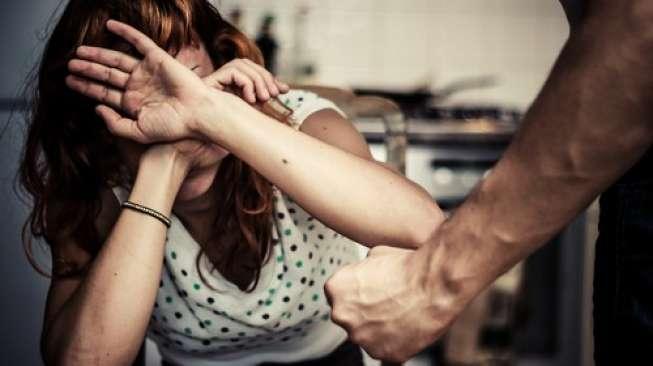 Seorang Istri Cekik Suami Hingga Meninggal