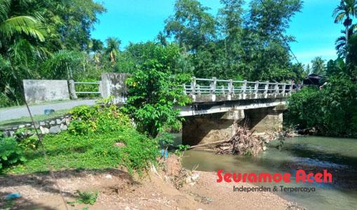 Erosi Krueng Manggeng Mengganas, Abutmen Jembatan Terancam
