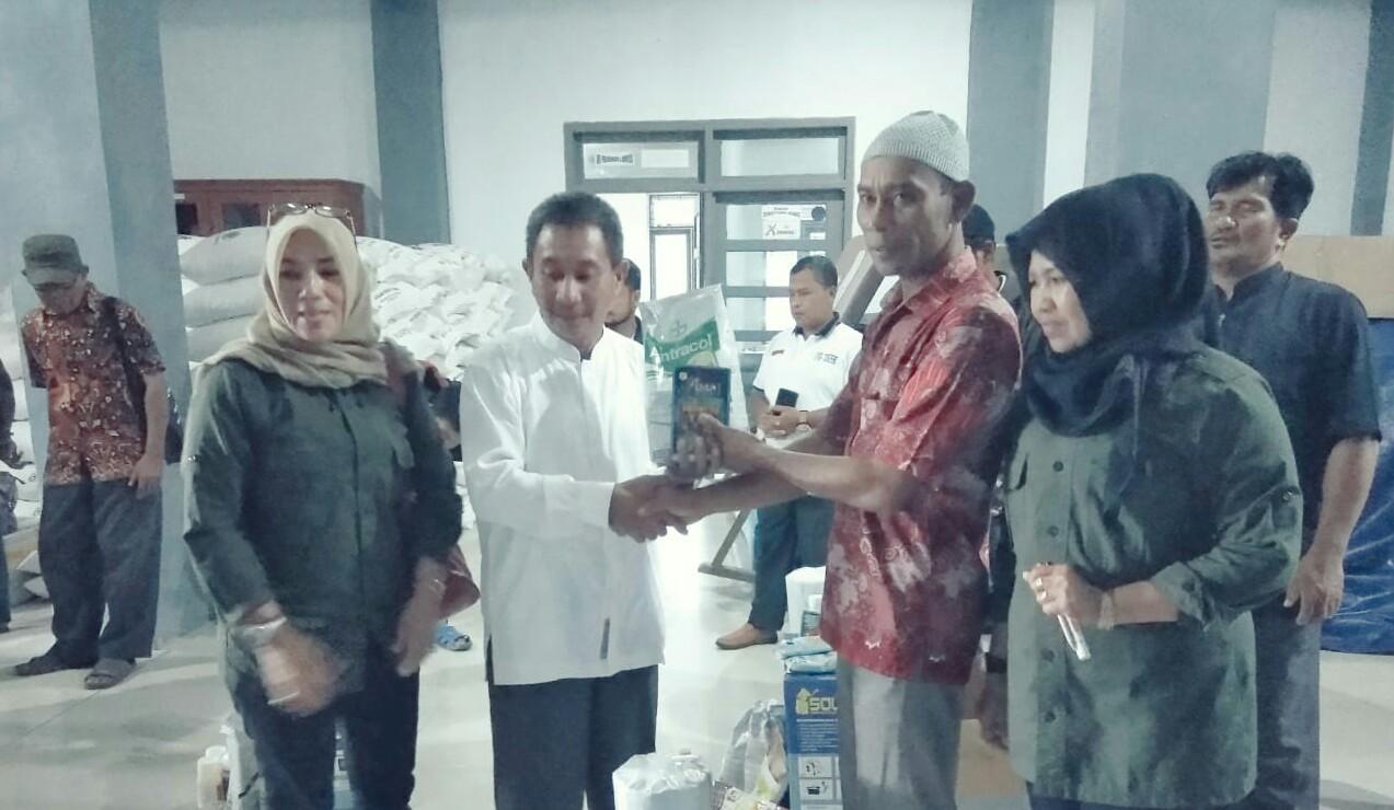 Dinsos Aceh Salurkan Bantuan UEP di Kabupaten Simeulue