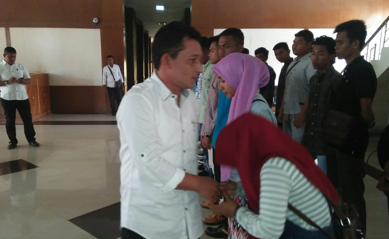 Wabup Nagan Lepas Keberangkatan Calon Tenaga Kerja Ikuti Pelatihan di Medan